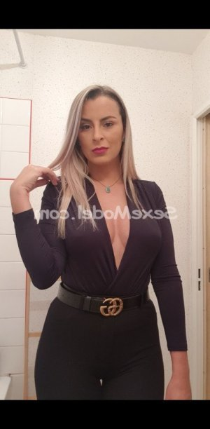 Emiline escort girl fille libertine