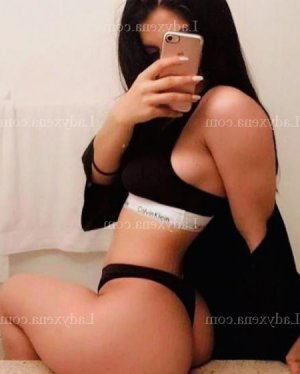 Clare massage escorte girl club échangiste