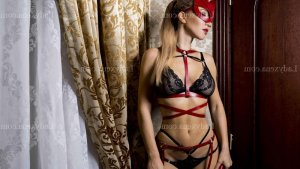 Haleema massage tantrique