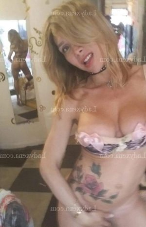 Zaida rencontre dominatrice escorte girl